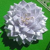 Hairpins handmade. Livemaster - original item Scrunchy kanzashi for hair from satin ribbons. Handmade.