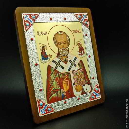 Икона Николая Чудотворца с камнями и эмалью 3000 руб