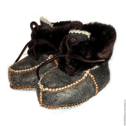 Обувь ручной работы. Ярмарка Мастеров - ручная работа. Купить детские меховые пинетки. Handmade. Коричневый, серый, детские тапочки