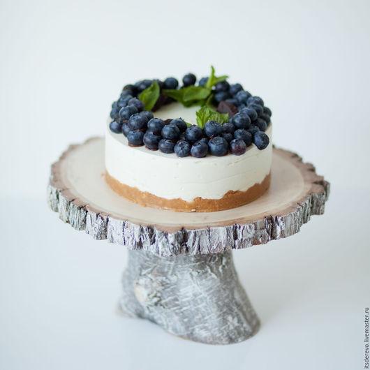 Подставка для торта в скандинавском стиле.