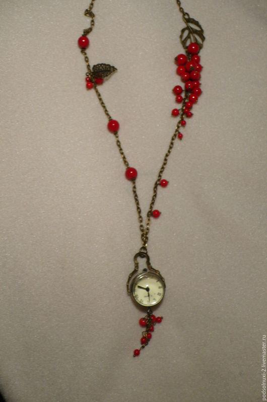 """Часы ручной работы. Ярмарка Мастеров - ручная работа. Купить ЧАСИКИ """"СМОРОДИНКА"""". Handmade. Ярко-красный, часы"""
