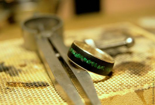 Кольца ручной работы. Ярмарка Мастеров - ручная работа. Купить Ирландия, серебряное кольцо с деревом. Handmade. Тёмно-зелёный, малахит