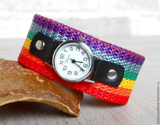 Часы ручной работы. Ярмарка Мастеров - ручная работа. Купить Наручные часы на радужном браслете.. Handmade. Наручные часы