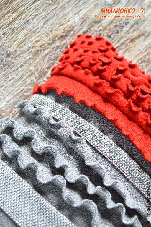 """Текстиль, ковры ручной работы. Ярмарка Мастеров - ручная работа. Купить Чехол на думку из серии """" Красные узоры"""". Handmade."""