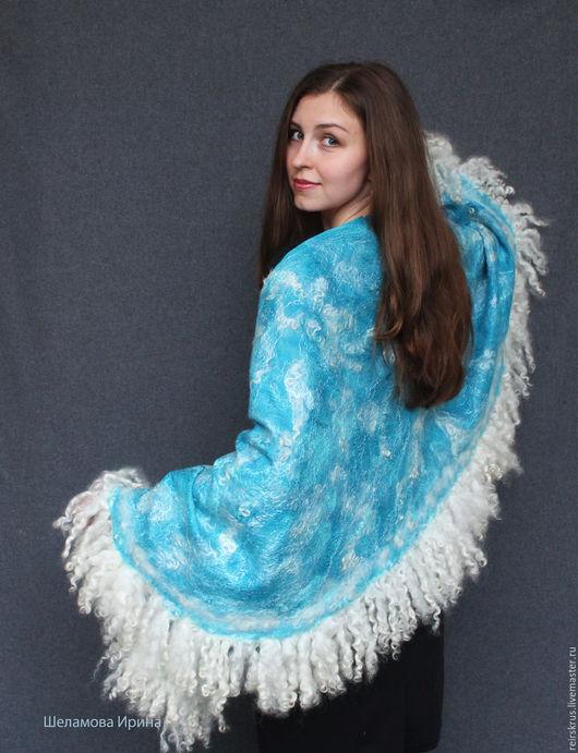 """Шали, палантины ручной работы. Ярмарка Мастеров - ручная работа. Купить шаль """"В волнах"""". Handmade. Голубой, море"""