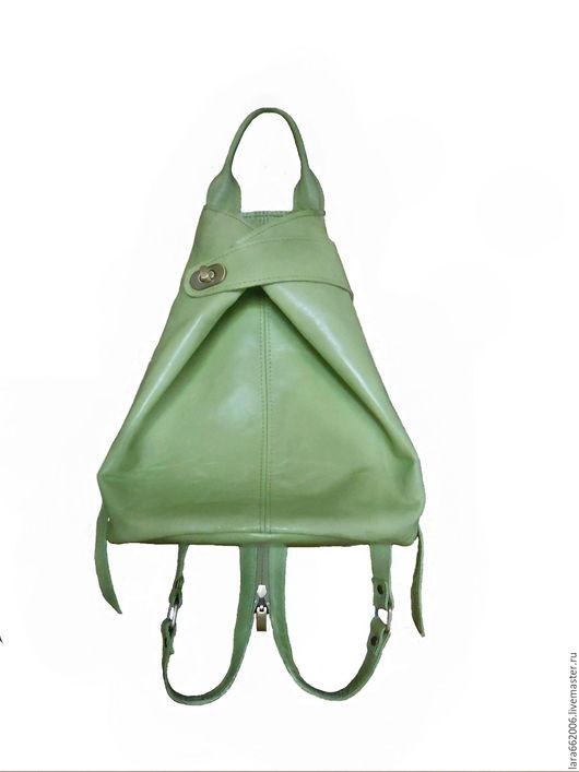 Женская  кожаная сумка рюкзак   из натуральной кожи салатового цвета,сумка женская кожаная,сумка-рюкзак из кожи,кожаный рюкзак, ручная работа,рюкзачок салатовый рюкзак