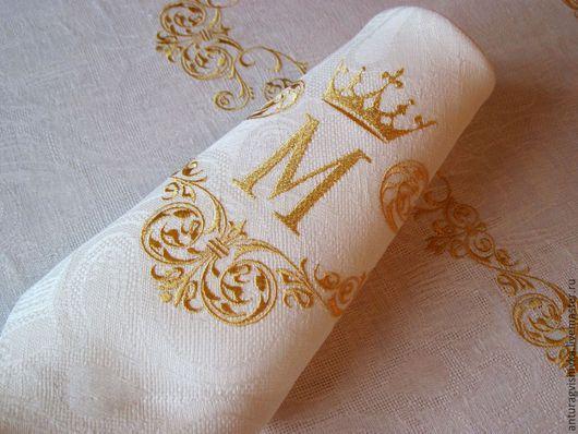 Вышитые салфетки Королевский вензель М - прекрасный подарок на день рождения, подарок на свадьбу, на юбилей