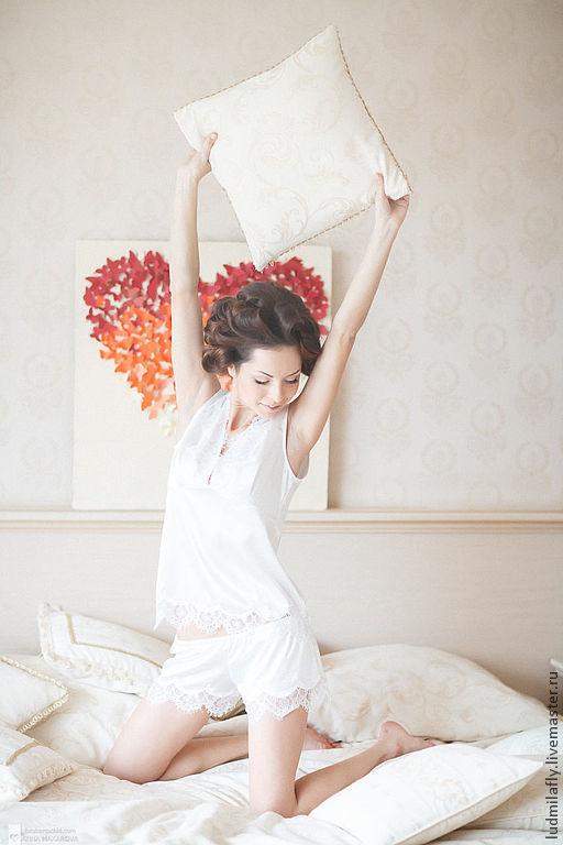 """""""Малышка"""" - пижамный комплект с шортиками. Mila Manina (Людмила Манина). Эксклюзивное белье ручной работы. Свадебная коллекция."""