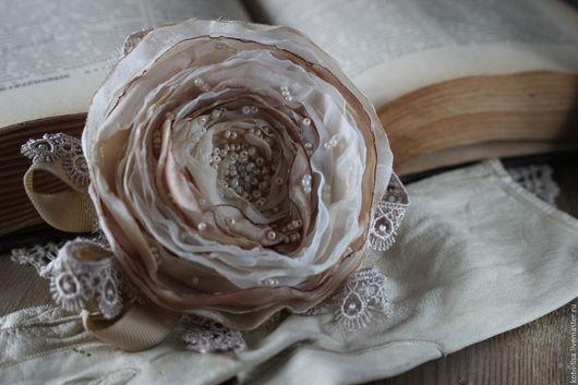 Роза Брошь в стиле бохо Брошь в стиле винтаж Брошь в стиле шебби Брошь в стиле рустик Брошь купить Брошь цветок Брошь в форме цветка Брошка цветок Брошка из ткани
