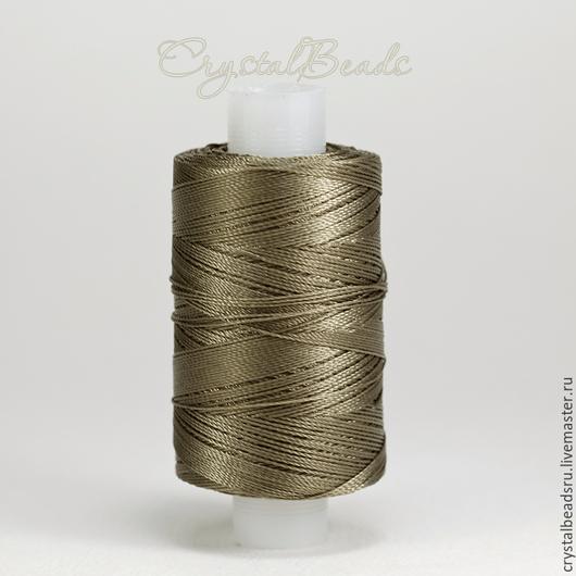 Тонкая и прочная лавсановая нить 86л 200м подойдет для плетения в техниках анкарс и фриволите, лавсановая нить также подойдет для шить и пошива верхней одежды, кожгалантереи и сумок.