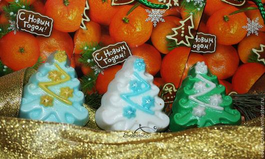 Подарочное мыло `Новогодняя елочка` с ароматом хвойного леса.