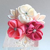 """Украшения ручной работы. Ярмарка Мастеров - ручная работа Резинка для волос """"Букетик"""" бело-розовый. Handmade."""