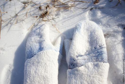"""Варежки, митенки, перчатки ручной работы. Ярмарка Мастеров - ручная работа. Купить Варежки """"Следы на снегу"""". Handmade. Белый"""