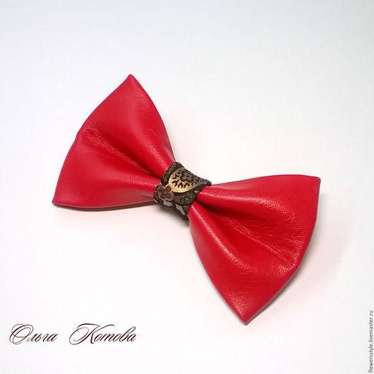 галстук бабочка из кожи, галстук бабочка из замши, галстук-бабочка, бабочка из кожи, бабочка с узором, красный, красный аксессуар, подарок, красно-черный, оригинальный подарок, модный аксессуар черный
