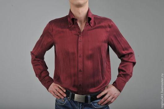 Фото мужской шёлковой рубашки самого модного цвета марсала.