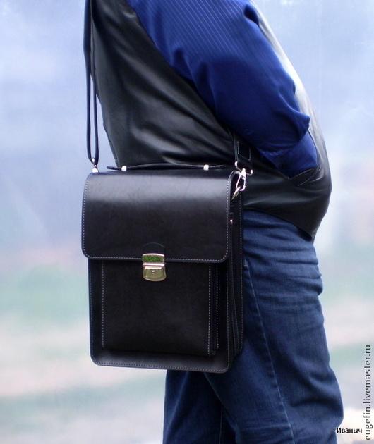 """Мужские сумки ручной работы. Ярмарка Мастеров - ручная работа. Купить Мужская кожаная сумка """" А4 Вертикаль"""". Handmade."""