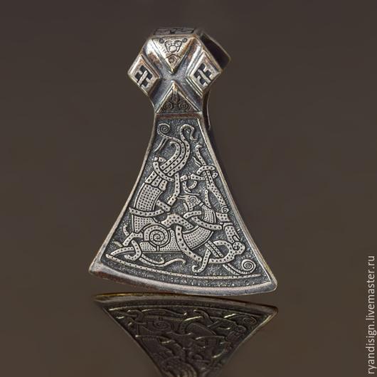 Топорик `Маммен`, кулон мужской из серебра, подарки для мужчин