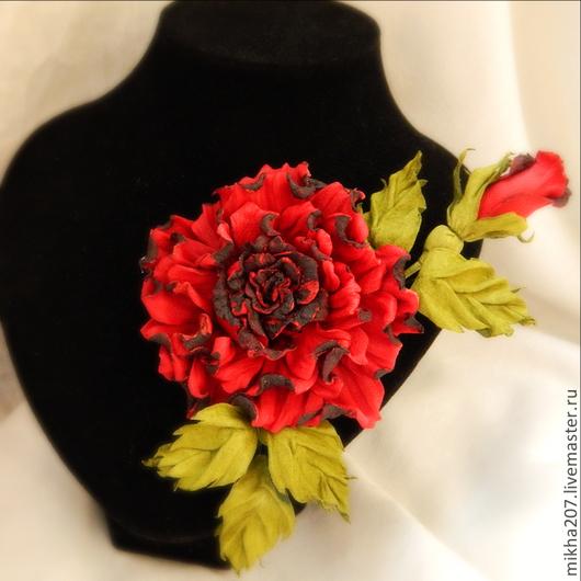 """Цветы ручной работы. Ярмарка Мастеров - ручная работа. Купить Брошь-роза """"Кармен"""". Handmade. Ярко-красный, цветы из кожи"""