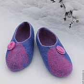 """Обувь ручной работы. Ярмарка Мастеров - ручная работа Валяные тапочки """"Немного роз"""". Handmade."""