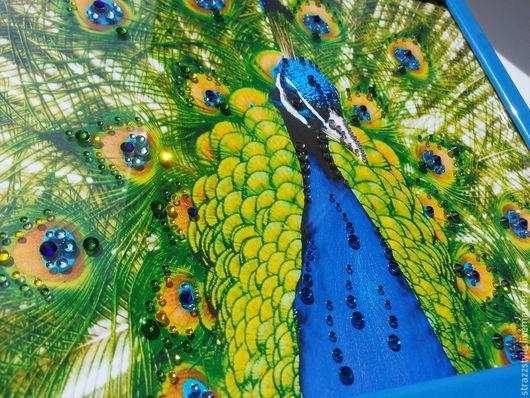 """Животные ручной работы. Ярмарка Мастеров - ручная работа. Купить Картина """"Павлин"""", декорированная кристаллами SWAROVSKI. Handmade. Картина в подарок"""