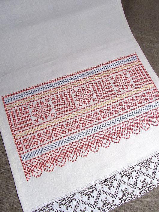 Свадебный рушник\r\nРазмер: 40 x 160 см.\r\nдополнительная вышивка имен и даты + 250 руб.