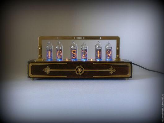 """Подарки для мужчин, ручной работы. Ярмарка Мастеров - ручная работа. Купить Ламповые часы """"Vintage"""" (Бук, цвет  дуб, латунь). Handmade."""