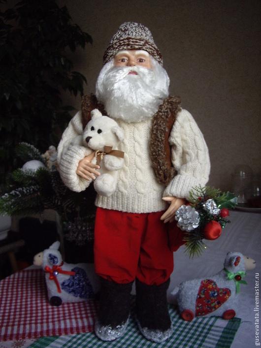 Дед Мороз. Кукла из полимерной глины. Материалы, из которых сделана кукла натуральные.