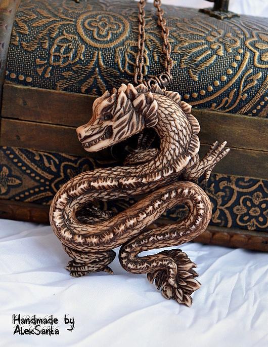 """Кулоны, подвески ручной работы. Ярмарка Мастеров - ручная работа. Купить Кулон """"Хранитель"""" (дракон, коричневый, белый, этно). Handmade."""