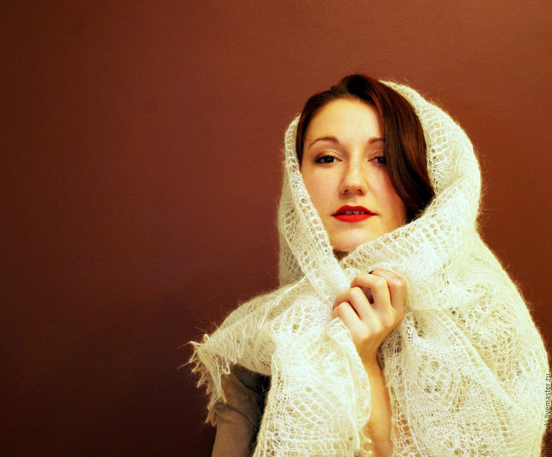 Связанные платками девушка 5 фотография