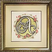 Картины и панно ручной работы. Ярмарка Мастеров - ручная работа Инициал А в розах. Handmade.