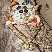 """Для дома и интерьера ручной работы. Ярмарка Мастеров - ручная работа Игрушка-подушка """"Радужный кот"""" нежные бабочки. Handmade."""