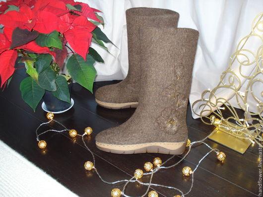 """Обувь ручной работы. Ярмарка Мастеров - ручная работа. Купить Сапоги валяные """"Рождественский шоколад"""". Handmade. Коричневый, валенки на подошве"""