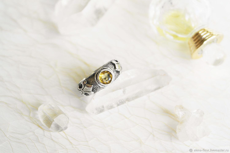 Кольцо «Fleur de lis» с топазами, Кольца, Санкт-Петербург,  Фото №1