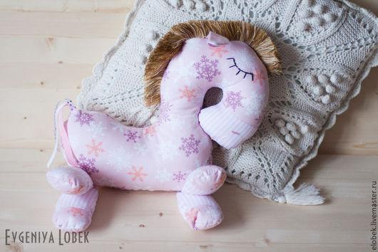 """Игрушки животные, ручной работы. Ярмарка Мастеров - ручная работа. Купить Лошадка для сна """"Снежные мечты. Handmade. Бледно-розовый"""