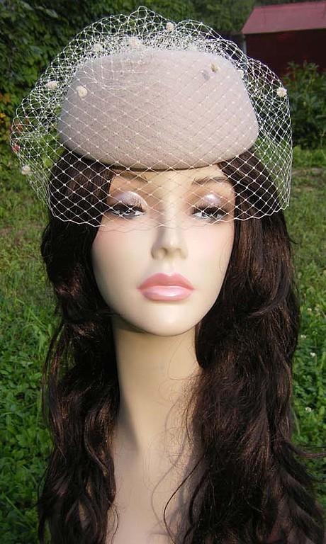 """Шляпы ручной работы. Ярмарка Мастеров - ручная работа. Купить шляпка с вуалью"""" Топленое молоко"""". Handmade. Шляпка с вуалью, вуаль"""