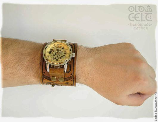 Часы ручной работы. Ярмарка Мастеров - ручная работа. Купить Часы с кожаным браслетом в стиле стимпанк Око Хроноса. Handmade.
