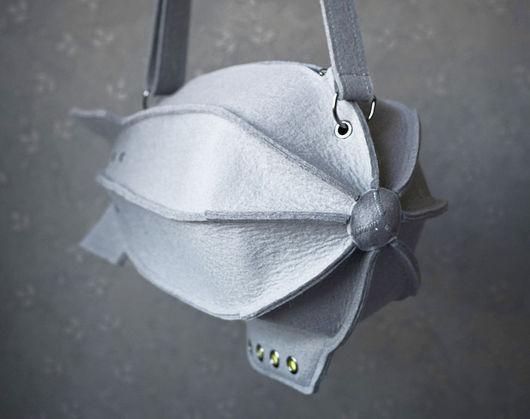 Спортивные сумки ручной работы. Ярмарка Мастеров - ручная работа. Купить Сумка - Дирижабль из натурального серого фетра. Handmade. летать