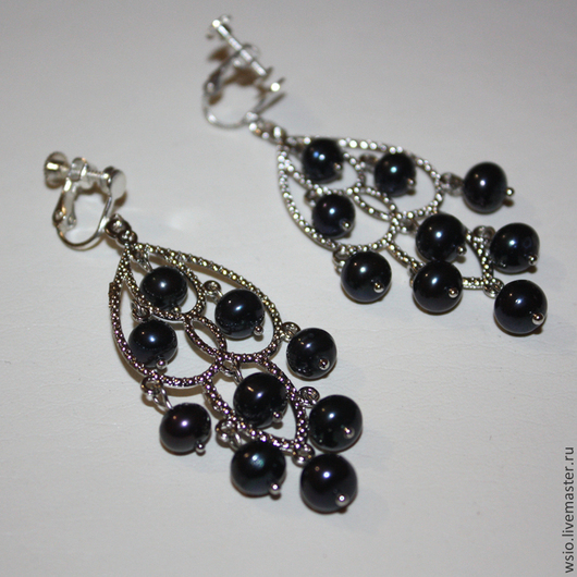 Чёрно-фиолетовые жемчужины. Эффектное украшение. Удобные клипсы.
