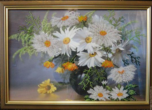 Вышитая картина бисером `Букет ромашек`. Ярмарка мастеров