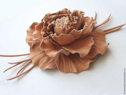 цветы из кожи, кожаный цветок. брошь цветок, брошь-заколка роза, заколка цветок, украшение из кожи, женские украшения, украшение цветок,украшения из кожи, кожаные украшения,роза брошь,роза заколка,обо