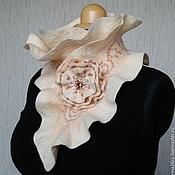 Аксессуары ручной работы. Ярмарка Мастеров - ручная работа Валяный шарф-горжетка цвета акации. Handmade.