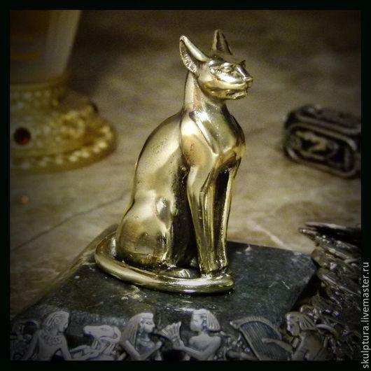 """Миниатюрные модели ручной работы. Ярмарка Мастеров - ручная работа. Купить Талисман из бронзы миниатюра кошка """"Бастет"""". Handmade. египет"""