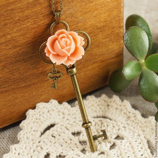 """Кулоны, подвески ручной работы. Ярмарка Мастеров - ручная работа. Купить Подвеска Ключ №4 """"Розовая роза"""". Handmade."""