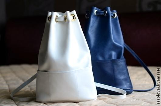Рюкзаки ручной работы. Ярмарка Мастеров - ручная работа. Купить Простой кожаный рюкзачок / на оба плеча. Handmade. лаконичный