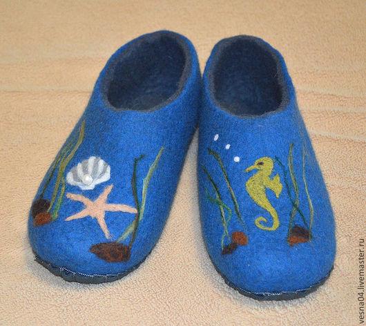 """Обувь ручной работы. Ярмарка Мастеров - ручная работа. Купить Валяные вручную тапочки """" Морской мир """". Handmade."""