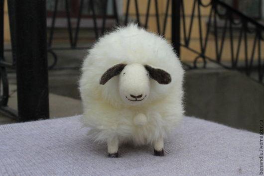 Игрушки животные, ручной работы. Ярмарка Мастеров - ручная работа. Купить Музыкальная овечка. Handmade. Белый, овечка игрушка, год козы