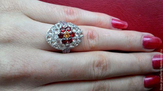 """Кольца ручной работы. Ярмарка Мастеров - ручная работа. Купить """"Лючия"""" - очаровательное кольцо с гранатами, цитрином  и топазами. Handmade."""
