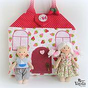 Куклы и игрушки ручной работы. Ярмарка Мастеров - ручная работа Кукольный домик-сумочка Клубничка. Handmade.