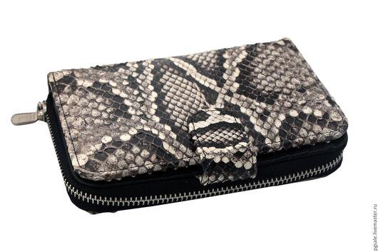 Кошелек из питона. Кожа питона. Кошелек из змеи. Кожа змеи. Женский кошелек. Компактный кошелек. Подарок. Подарок женщине. Кошелек в подарок. Оригинальный подарок. Нужный подарок.