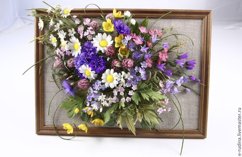 Фото картины из искусственных цветов